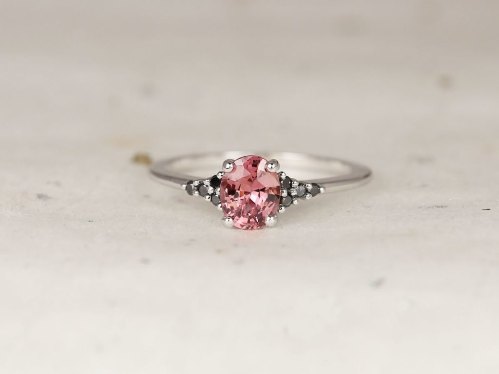 14kt White Gold Padparadscha Berry Red Sapphire Black Diamond Dainty Oval Cluster 3 Stone Ring, Rosados Box