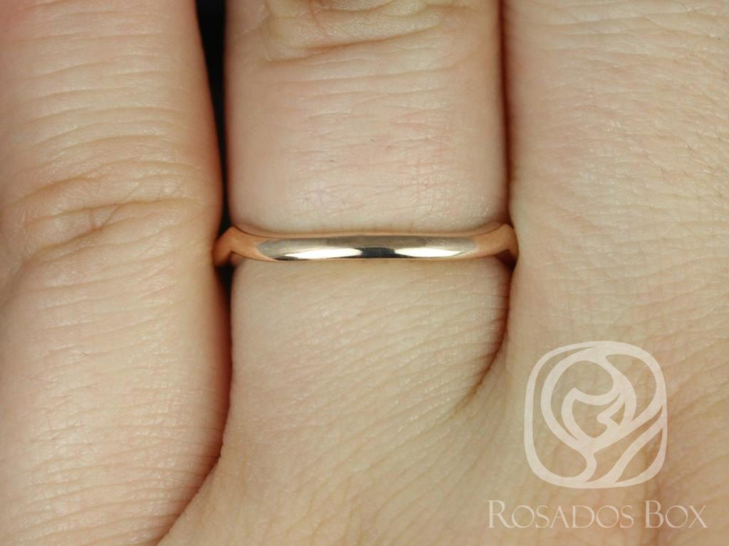 https://www.loveandpromisejewelers.com/media/catalog/product/cache/1b8ff75e92e9e3eb7d814fc024f6d8df/1/4/14kt_rose_gold_matching_band_to_cassidymaraorla_plain_band_3.jpg