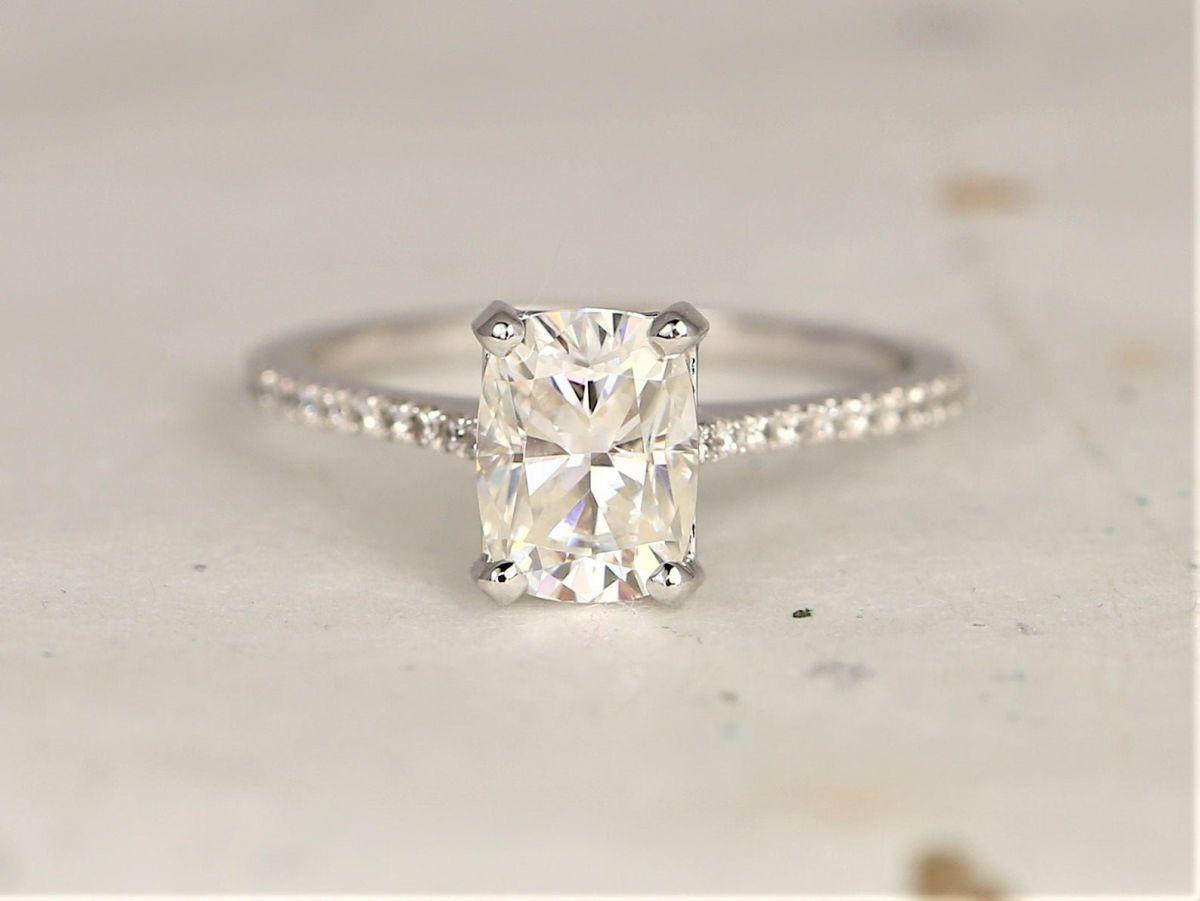 https://www.loveandpromisejewelers.com/media/catalog/product/cache/1b8ff75e92e9e3eb7d814fc024f6d8df/1/_/1_11_39.jpg