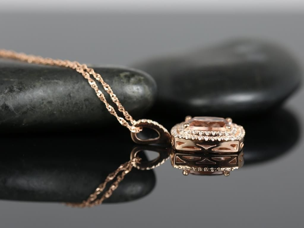https://www.loveandpromisejewelers.com/media/catalog/product/cache/1b8ff75e92e9e3eb7d814fc024f6d8df/5/8/5847mg2.jpg