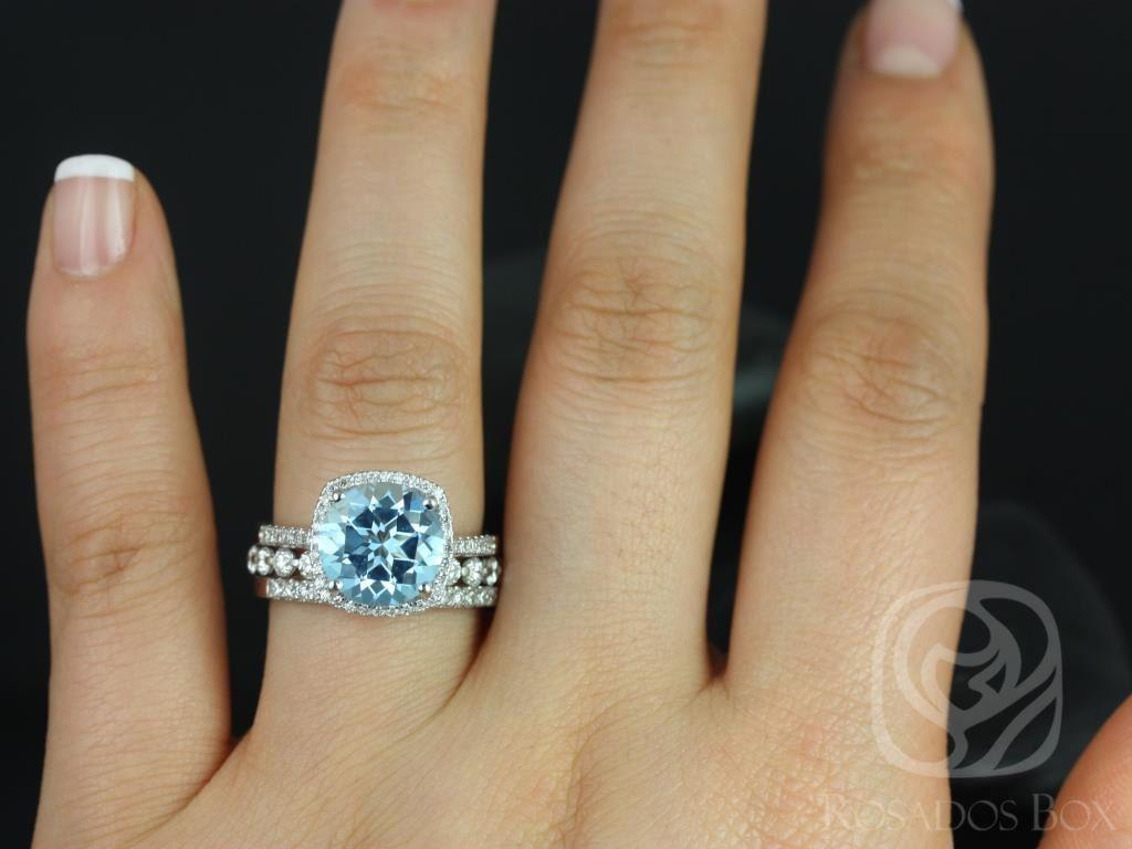 https://www.loveandpromisejewelers.com/media/catalog/product/cache/1b8ff75e92e9e3eb7d814fc024f6d8df/b/a/barra_10mm_medio_bubble_breathe_14kt_white_gold_blue_topaz_and_diamond_halo_trio_wedding_set_3wm_.jpg