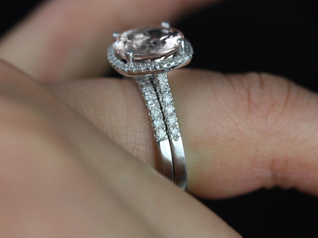 https://www.loveandpromisejewelers.com/media/catalog/product/cache/1b8ff75e92e9e3eb7d814fc024f6d8df/b/a/barra_queen_size_morganite_white_gold_wedding_set_1_.jpg