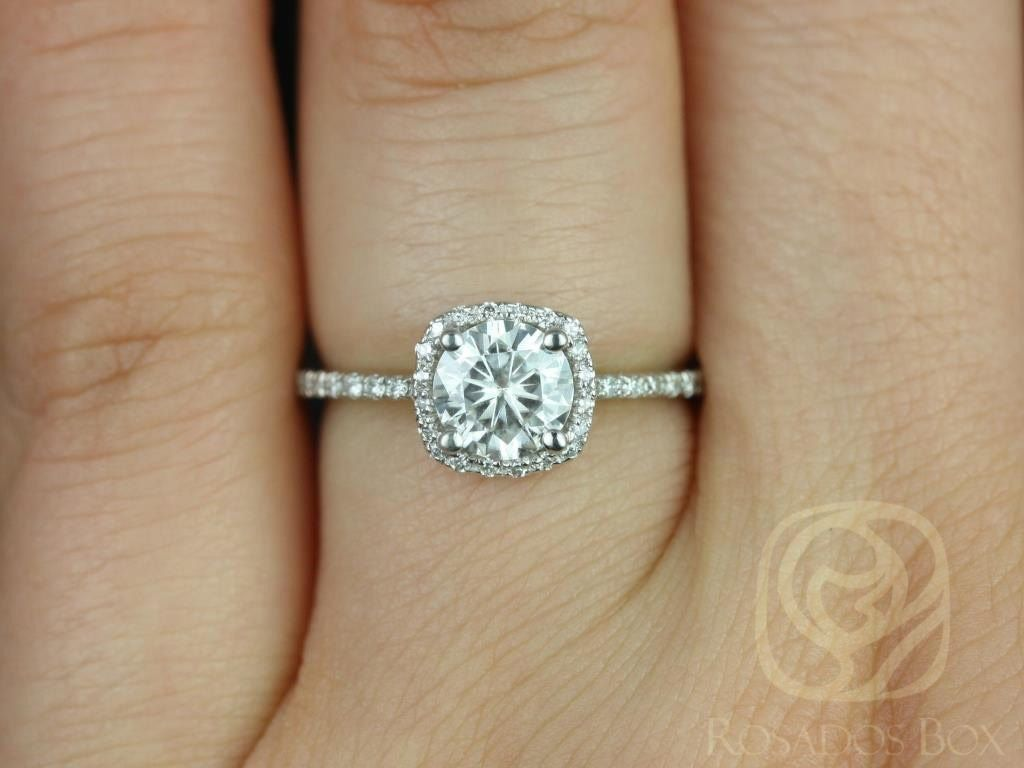 https://www.loveandpromisejewelers.com/media/catalog/product/cache/1b8ff75e92e9e3eb7d814fc024f6d8df/b/a/barra_three_quarter_ct_14kt_white_gold_round_diamond_cushion_halo_engagement_ring_other_metals_and_stone_options_available_4wm_1.jpg