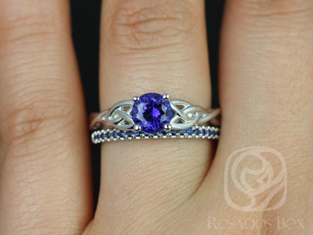 https://www.loveandpromisejewelers.com/media/catalog/product/cache/1b8ff75e92e9e3eb7d814fc024f6d8df/c/a/cassidy_kierra_14kt_white_gold_round_blue_sapphire_celtic_knot_wedding_set_2wm_.jpg