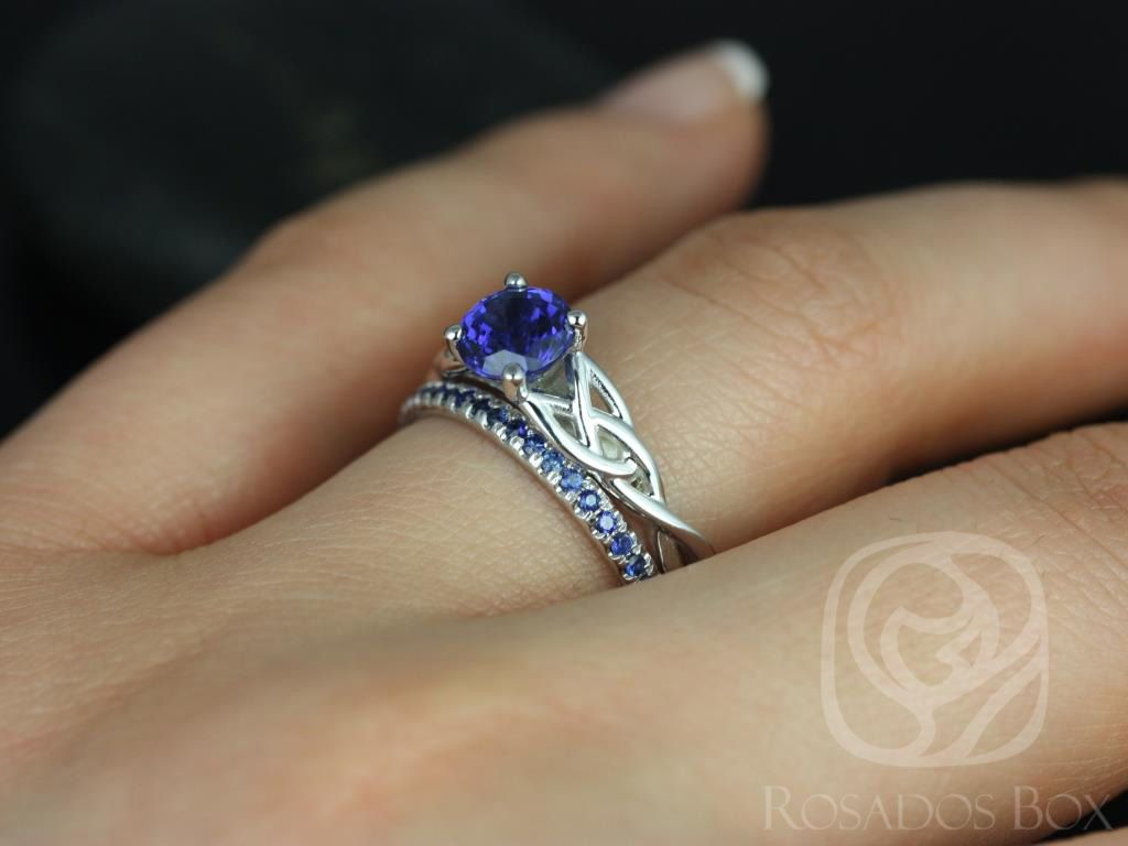 https://www.loveandpromisejewelers.com/media/catalog/product/cache/1b8ff75e92e9e3eb7d814fc024f6d8df/c/a/cassidy_kierra_14kt_white_gold_round_blue_sapphire_celtic_knot_wedding_set_4wm_.jpg