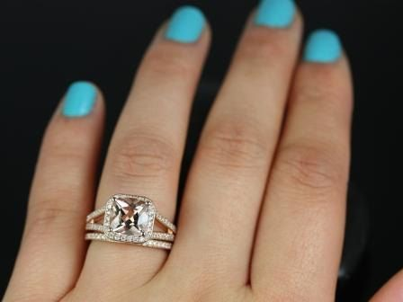 https://www.loveandpromisejewelers.com/media/catalog/product/cache/1b8ff75e92e9e3eb7d814fc024f6d8df/d/i/diana_8mm_14kt_rose_gold_cushion_morganite_and_diamond_halo_split_shank_wedding_set_5.jpg
