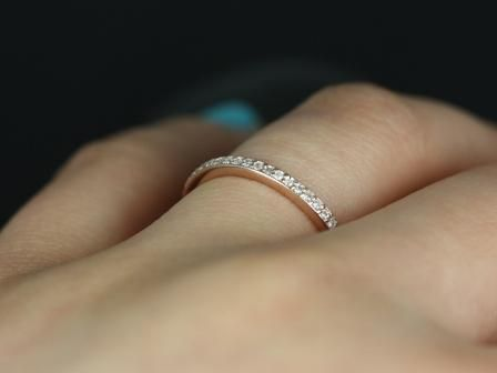 https://www.loveandpromisejewelers.com/media/catalog/product/cache/1b8ff75e92e9e3eb7d814fc024f6d8df/d/i/diana_diamond_rose_gold_wedding_ring_1_.jpg