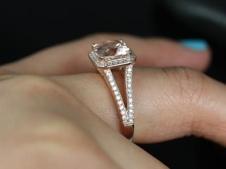 https://www.loveandpromisejewelers.com/media/catalog/product/cache/1b8ff75e92e9e3eb7d814fc024f6d8df/d/i/diana_morganite_diamond_engagement_ring_1_.jpg