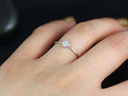 https://www.loveandpromisejewelers.com/media/catalog/product/cache/1b8ff75e92e9e3eb7d814fc024f6d8df/d/i/diskco_diamond_14kt_white_gold_5_.jpg