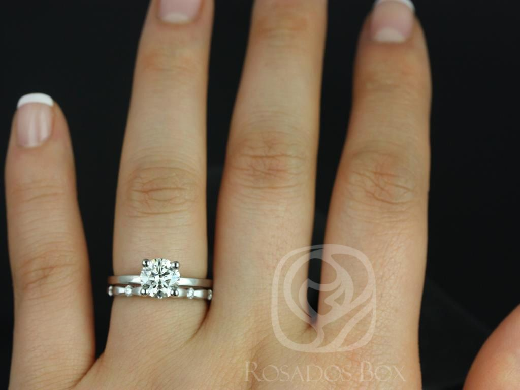 https://www.loveandpromisejewelers.com/media/catalog/product/cache/1b8ff75e92e9e3eb7d814fc024f6d8df/e/l/ella_7mm_juno_14kt_white_gold_round_fb_moissanite_diamonds_wedding_set_4wm_.jpg