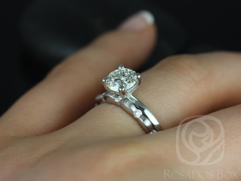 https://www.loveandpromisejewelers.com/media/catalog/product/cache/1b8ff75e92e9e3eb7d814fc024f6d8df/e/l/ella_7mm_juno_14kt_white_gold_round_fb_moissanite_diamonds_wedding_set_5wm_.jpg