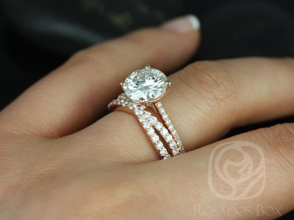 https://www.loveandpromisejewelers.com/media/catalog/product/cache/1b8ff75e92e9e3eb7d814fc024f6d8df/e/l/eloise_9mm_lima_14kt_rose_gold_round_fb_moissanite_and_diamonds_cathedral_wedding_set_5wm_.jpg