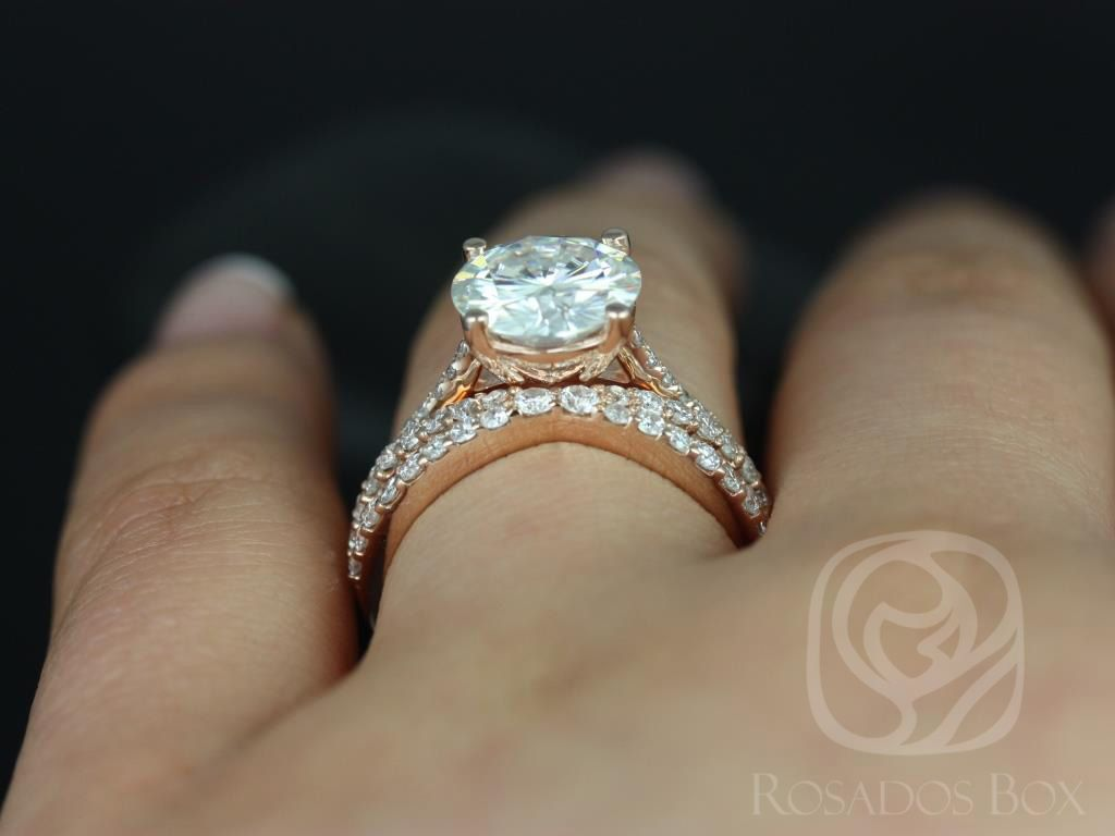 https://www.loveandpromisejewelers.com/media/catalog/product/cache/1b8ff75e92e9e3eb7d814fc024f6d8df/e/l/eloise_9mm_lima_14kt_rose_gold_round_fb_moissanite_and_diamonds_cathedral_wedding_set_9wm_.jpg