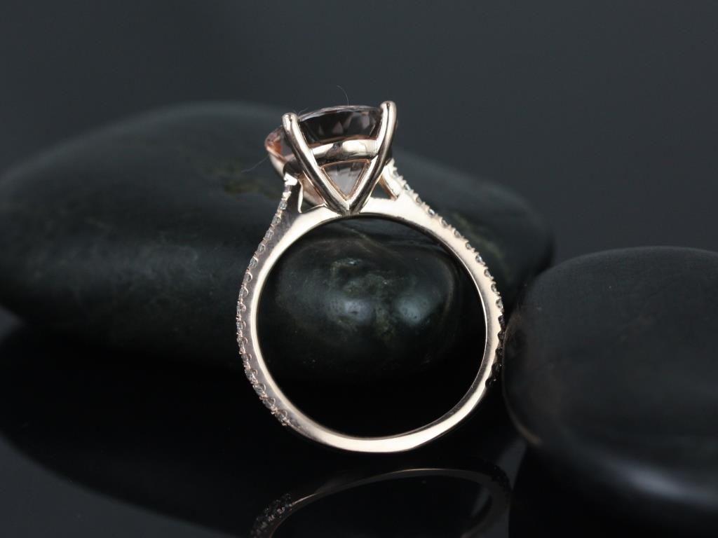 https://www.loveandpromisejewelers.com/media/catalog/product/cache/1b8ff75e92e9e3eb7d814fc024f6d8df/e/l/eloise_morganite_diamond_rose_gold_engagement_ring_3_.jpg