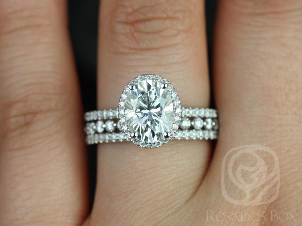 https://www.loveandpromisejewelers.com/media/catalog/product/cache/1b8ff75e92e9e3eb7d814fc024f6d8df/f/e/federella_medio_petite_bubble_breathe_14kt_white_goldoval_fb_moissanite_and_diamond_halo_trio_wedding_set_2wm_.jpg