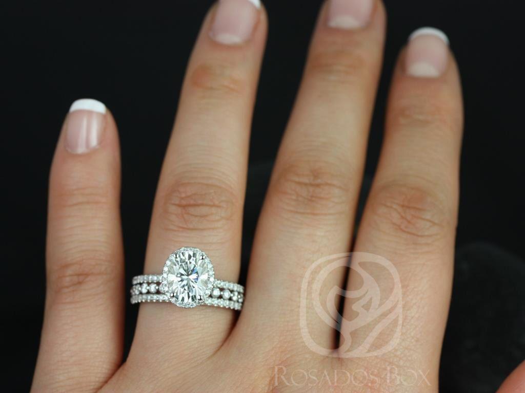 https://www.loveandpromisejewelers.com/media/catalog/product/cache/1b8ff75e92e9e3eb7d814fc024f6d8df/f/e/federella_medio_petite_bubble_breathe_14kt_white_goldoval_fb_moissanite_and_diamond_halo_trio_wedding_set_3wm_.jpg