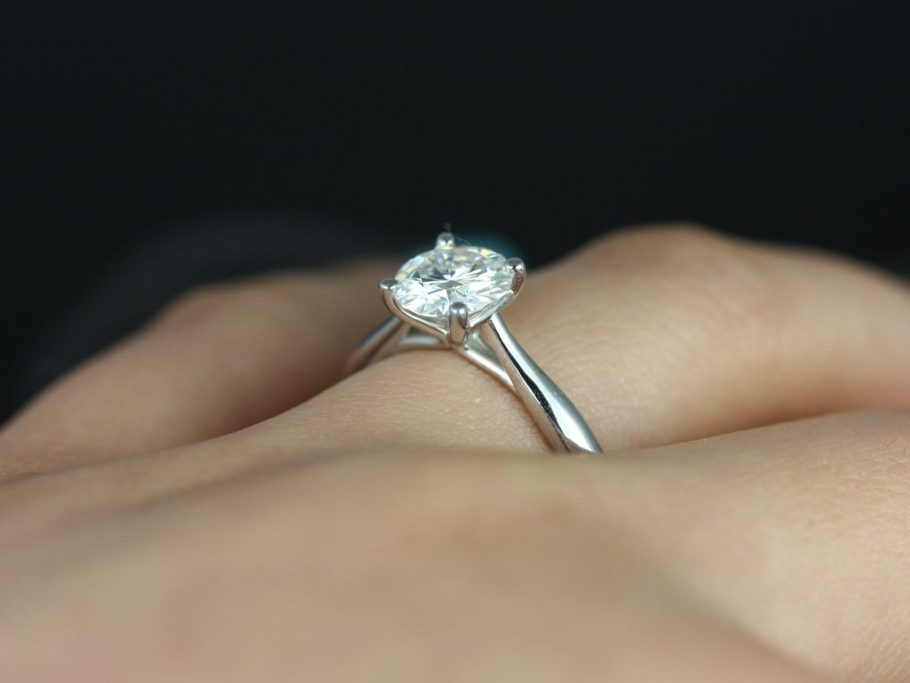 https://www.loveandpromisejewelers.com/media/catalog/product/cache/1b8ff75e92e9e3eb7d814fc024f6d8df/f/l/flora_medio_fb_moissanite_white_gold_engagement_ring_1_.jpg
