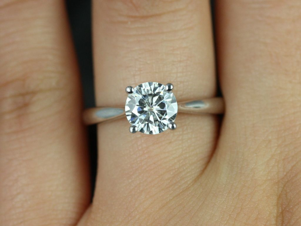 https://www.loveandpromisejewelers.com/media/catalog/product/cache/1b8ff75e92e9e3eb7d814fc024f6d8df/f/l/flora_medio_fb_moissanite_white_gold_engagement_ring_4_.jpg