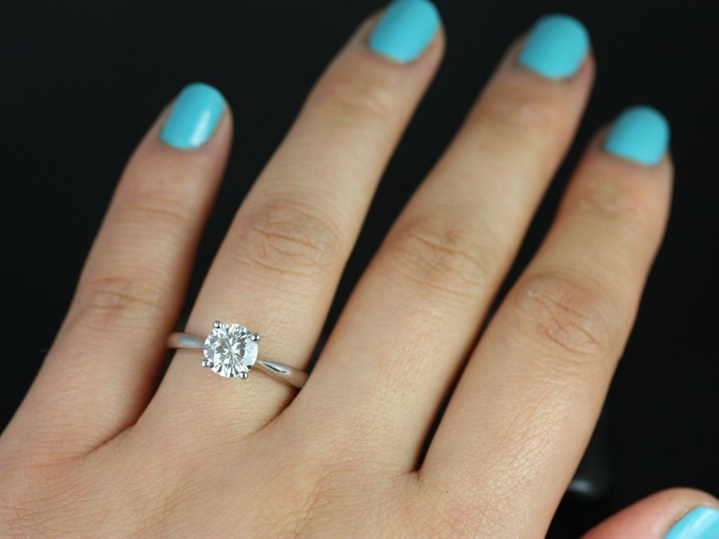 https://www.loveandpromisejewelers.com/media/catalog/product/cache/1b8ff75e92e9e3eb7d814fc024f6d8df/f/l/flora_medio_fb_moissanite_white_gold_engagement_ring_5_.jpg