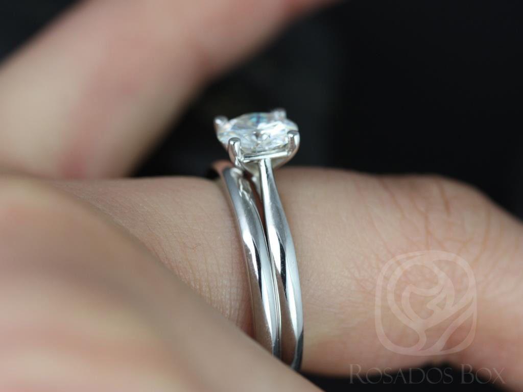 https://www.loveandpromisejewelers.com/media/catalog/product/cache/1b8ff75e92e9e3eb7d814fc024f6d8df/f/l/flora_medio_size_fb_moissanite_white_gold_wedding_set_1wm_.jpg