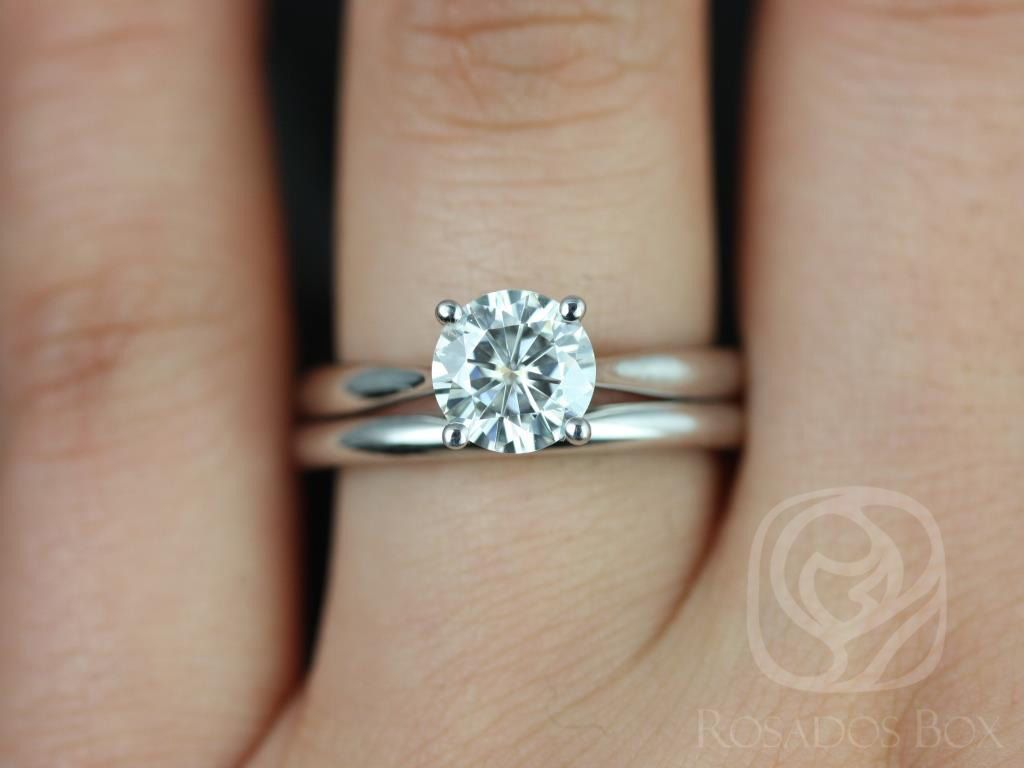 https://www.loveandpromisejewelers.com/media/catalog/product/cache/1b8ff75e92e9e3eb7d814fc024f6d8df/f/l/flora_medio_size_fb_moissanite_white_gold_wedding_set_2wm_.jpg