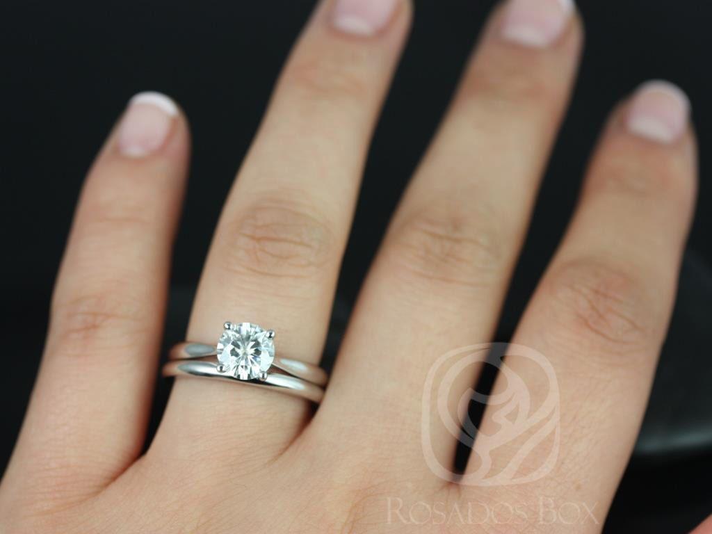 https://www.loveandpromisejewelers.com/media/catalog/product/cache/1b8ff75e92e9e3eb7d814fc024f6d8df/f/l/flora_medio_size_fb_moissanite_white_gold_wedding_set_3wm_.jpg