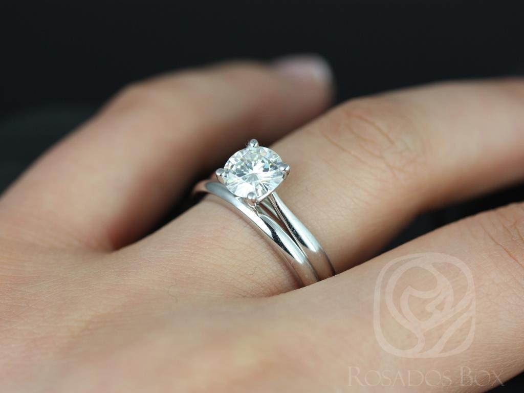https://www.loveandpromisejewelers.com/media/catalog/product/cache/1b8ff75e92e9e3eb7d814fc024f6d8df/f/l/flora_medio_size_fb_moissanite_white_gold_wedding_set_4wm_.jpg