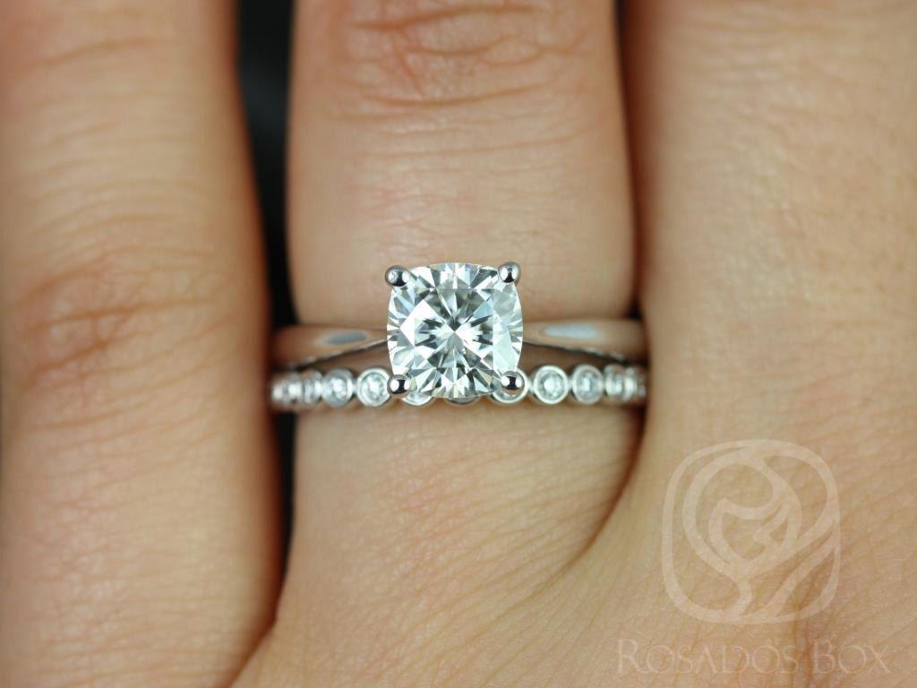 https://www.loveandpromisejewelers.com/media/catalog/product/cache/1b8ff75e92e9e3eb7d814fc024f6d8df/f/l/florence_medio_petite_bubbles_14kt_white_gold_cushion_fb_moissanite_solitaire_wedding_set_2wm_.jpg