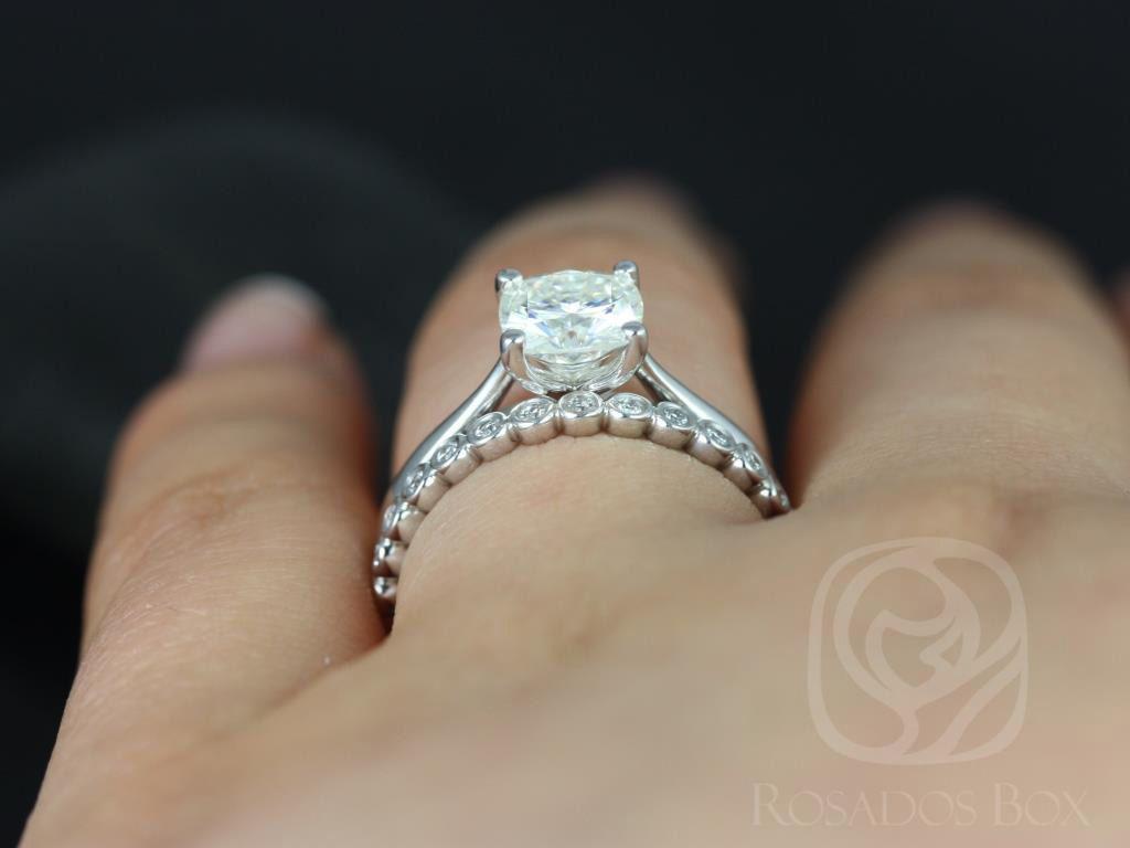 https://www.loveandpromisejewelers.com/media/catalog/product/cache/1b8ff75e92e9e3eb7d814fc024f6d8df/f/l/florence_medio_petite_bubbles_14kt_white_gold_cushion_fb_moissanite_solitaire_wedding_set_5wm_.jpg