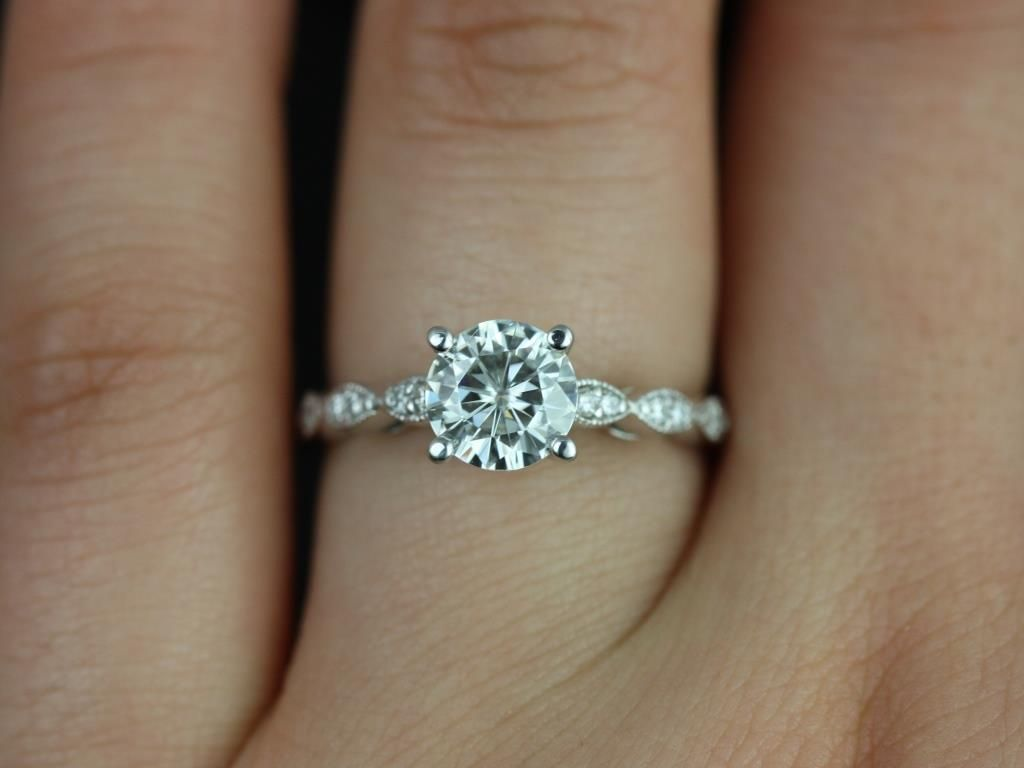 https://www.loveandpromisejewelers.com/media/catalog/product/cache/1b8ff75e92e9e3eb7d814fc024f6d8df/h/e/helena_1ct_rd_fb_moissanite_diamond_white_gold_engagement_ring_3_.jpg