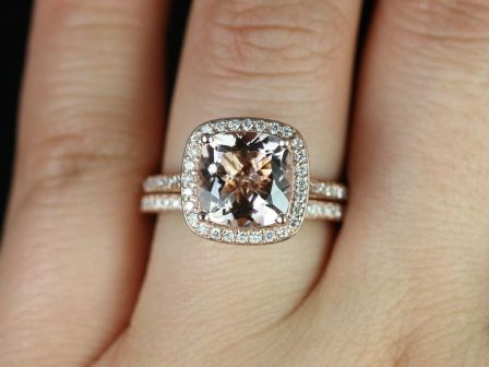 https://www.loveandpromisejewelers.com/media/catalog/product/cache/1b8ff75e92e9e3eb7d814fc024f6d8df/h/o/hollie_wedding_set_2_.jpg