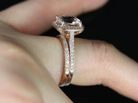 https://www.loveandpromisejewelers.com/media/catalog/product/cache/1b8ff75e92e9e3eb7d814fc024f6d8df/h/o/hollie_wedding_set_5_.jpg