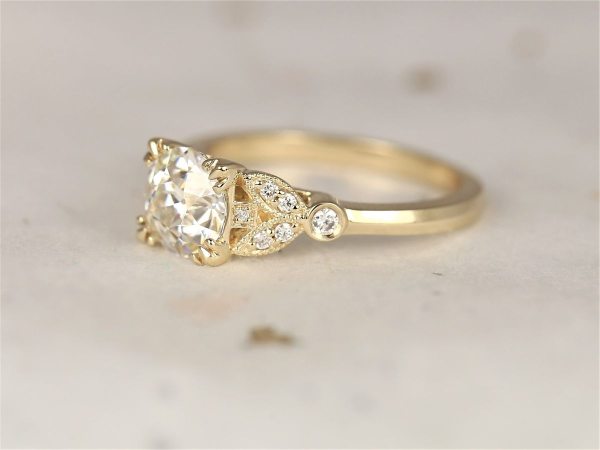 https://www.loveandpromisejewelers.com/media/catalog/product/cache/1b8ff75e92e9e3eb7d814fc024f6d8df/h/t/httpsi.etsystatic.com6659792rile1bd612031665324ilfullxfull.20316653241tol.jpg