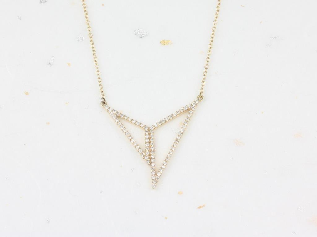 https://www.loveandpromisejewelers.com/media/catalog/product/cache/1b8ff75e92e9e3eb7d814fc024f6d8df/i/m/img_4678.jpg