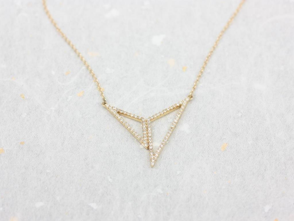 https://www.loveandpromisejewelers.com/media/catalog/product/cache/1b8ff75e92e9e3eb7d814fc024f6d8df/i/m/img_4705.jpg