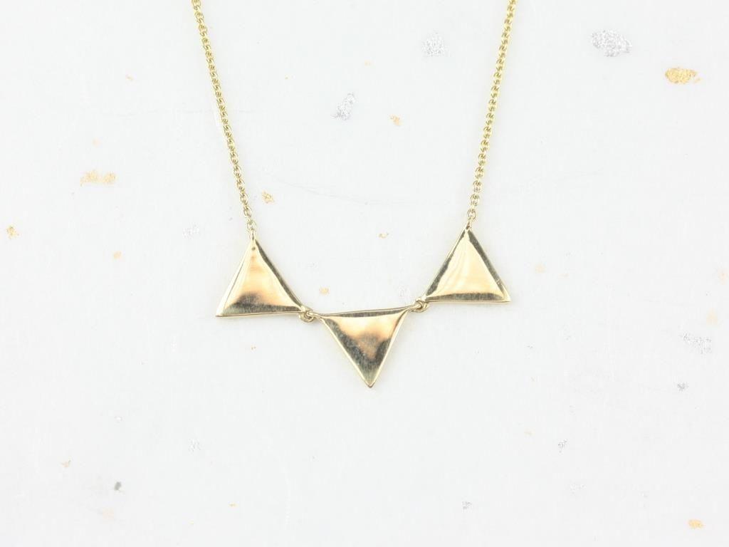 https://www.loveandpromisejewelers.com/media/catalog/product/cache/1b8ff75e92e9e3eb7d814fc024f6d8df/i/m/img_4769.jpg