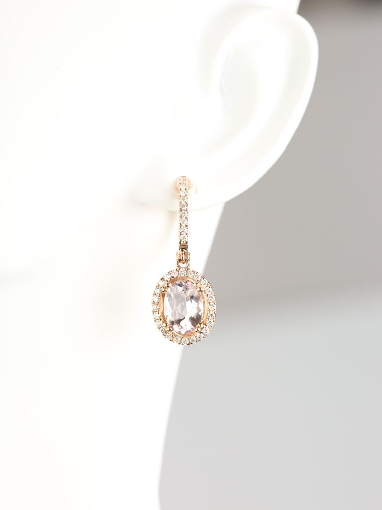 https://www.loveandpromisejewelers.com/media/catalog/product/cache/1b8ff75e92e9e3eb7d814fc024f6d8df/j/e/je3760mg4.jpg