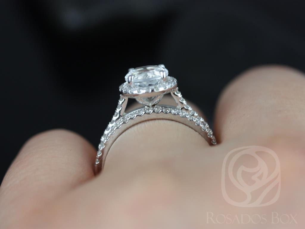 https://www.loveandpromisejewelers.com/media/catalog/product/cache/1b8ff75e92e9e3eb7d814fc024f6d8df/k/u/kubian_original_size_white_topaz_white_gold_wedding_set_4wm_.jpg