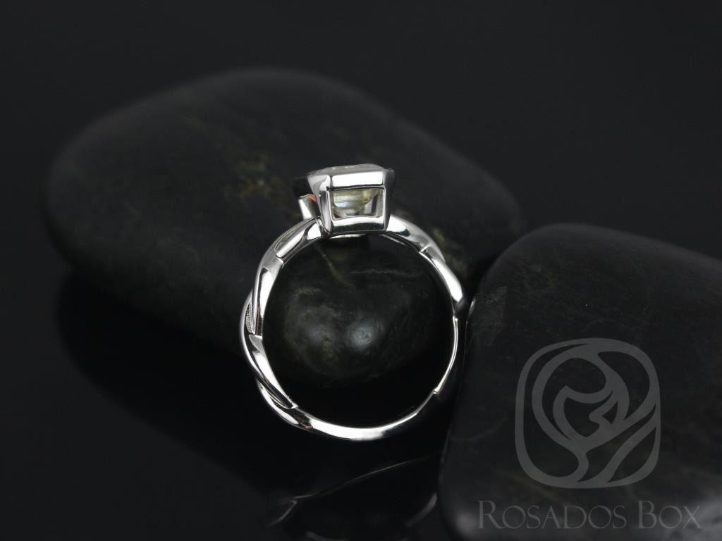 https://www.loveandpromisejewelers.com/media/catalog/product/cache/1b8ff75e92e9e3eb7d814fc024f6d8df/l/e/leslie_9x7mm_14kt_white_gold_emerald_fb_moissanite_bezel_twist_engagement_ring_3wm_.jpg