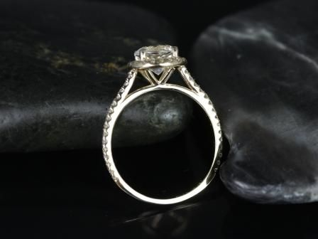 https://www.loveandpromisejewelers.com/media/catalog/product/cache/1b8ff75e92e9e3eb7d814fc024f6d8df/o/r/original_kubian_white_topaz_14kt_yellow_gold_3_.jpg
