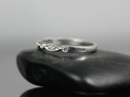 https://www.loveandpromisejewelers.com/media/catalog/product/cache/1b8ff75e92e9e3eb7d814fc024f6d8df/p/e/petite_bead_eye_diamonds_14kt_white_gold_4_.jpg