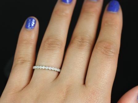 https://www.loveandpromisejewelers.com/media/catalog/product/cache/1b8ff75e92e9e3eb7d814fc024f6d8df/p/e/petite_bubbles_with_milgrain_almost_eternity_band_6_.jpg