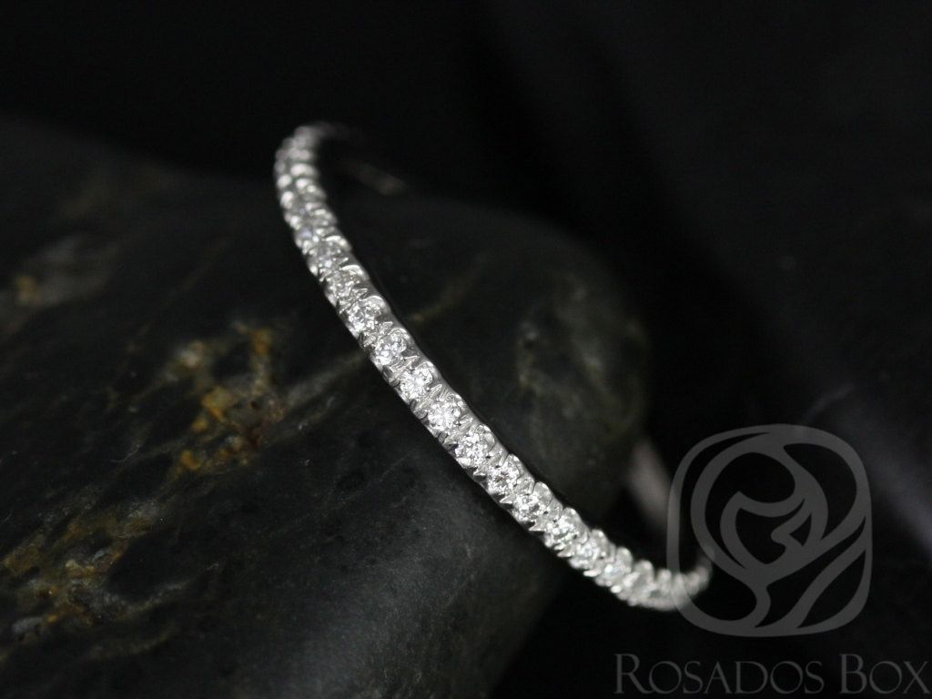 https://www.loveandpromisejewelers.com/media/catalog/product/cache/1b8ff75e92e9e3eb7d814fc024f6d8df/p/l/platinum_kim_1.jpg