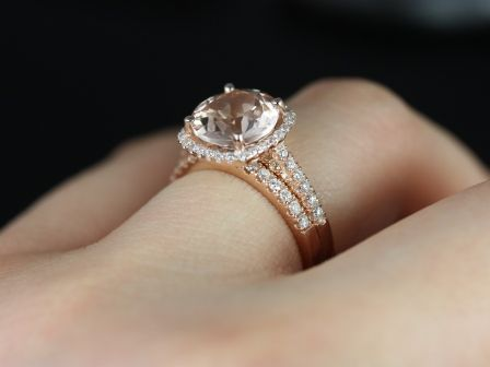 https://www.loveandpromisejewelers.com/media/catalog/product/cache/1b8ff75e92e9e3eb7d814fc024f6d8df/p/r/princess_size_barra_morganite_rose_gold_wedding_set_1_.jpg