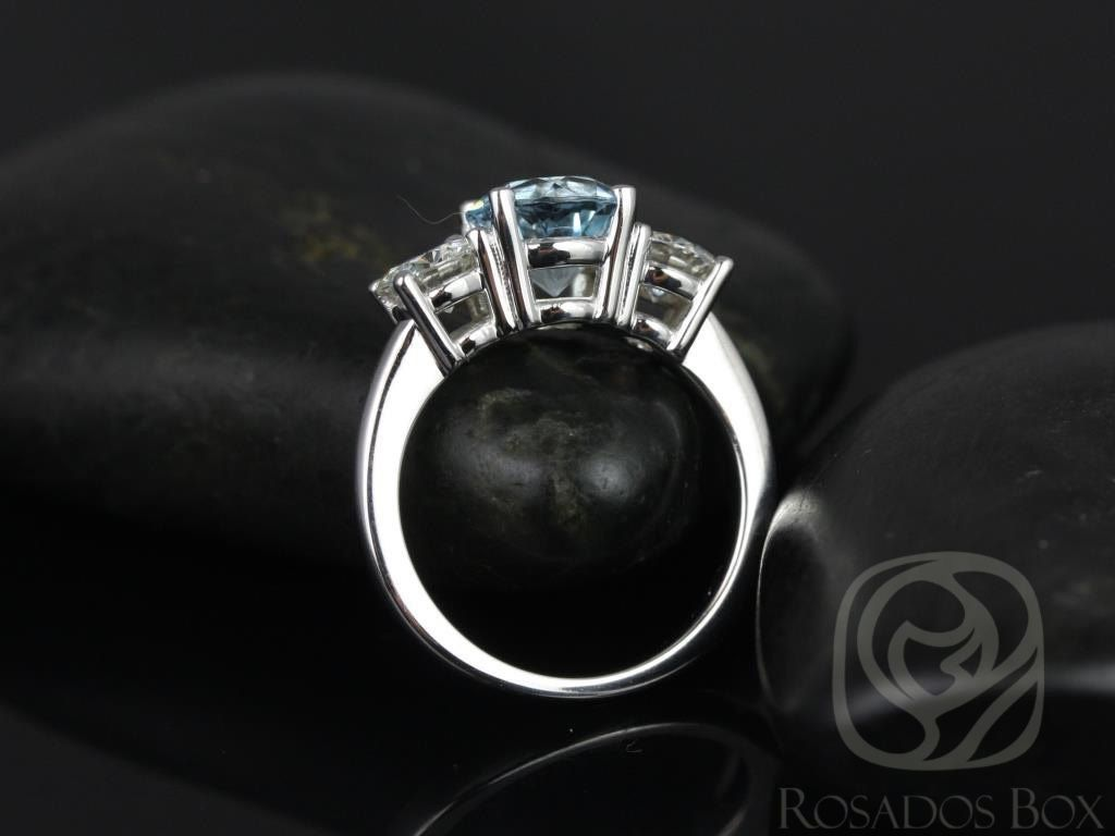 https://www.loveandpromisejewelers.com/media/catalog/product/cache/1b8ff75e92e9e3eb7d814fc024f6d8df/r/o/robyn_7mm_14kt_white_gold_round_aquamarine_fb_moissanites_3_stone_engagement_ring_other_metals_and_stone_options_available_5wm.jpg