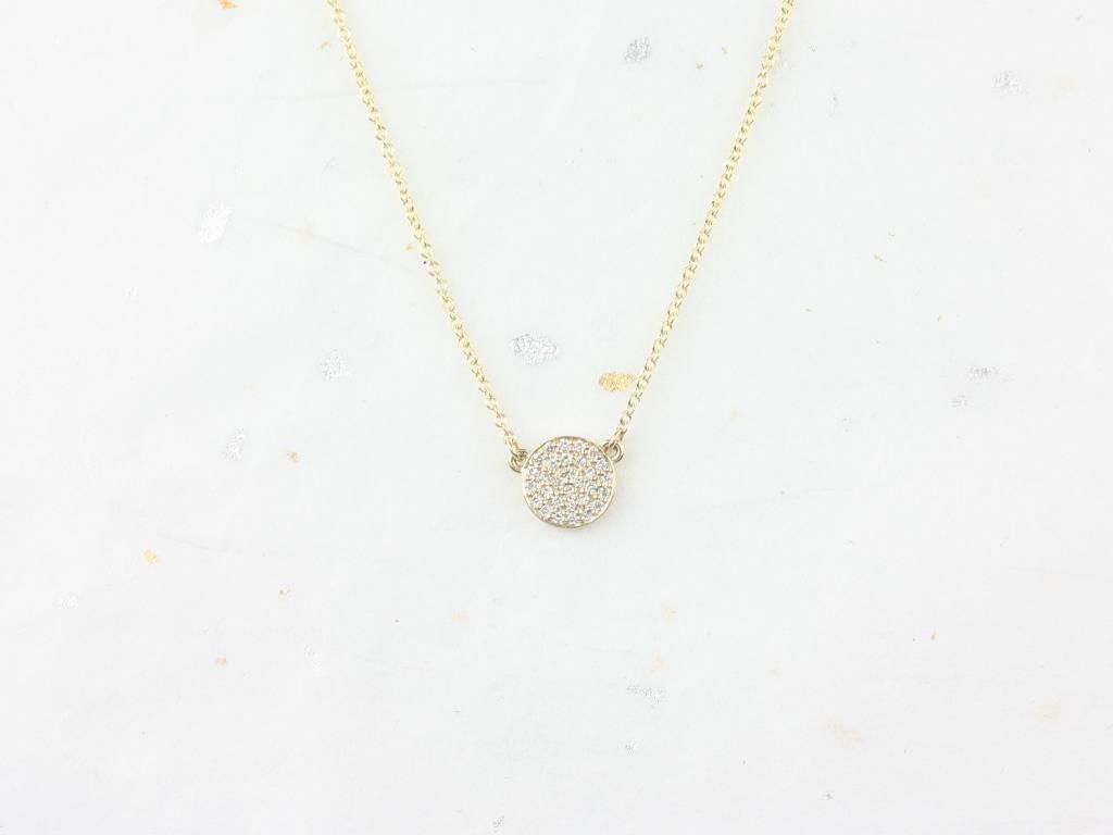 https://www.loveandpromisejewelers.com/media/catalog/product/cache/1b8ff75e92e9e3eb7d814fc024f6d8df/r/o/rosados_box_diskco_7mm_14kt_yellow_gold_diamond_pave_floating_disk_necklace.jpg