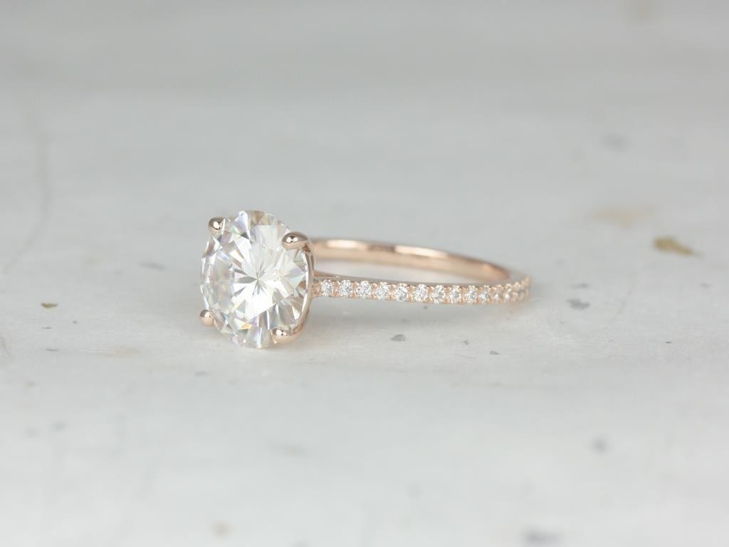 https://www.loveandpromisejewelers.com/media/catalog/product/cache/1b8ff75e92e9e3eb7d814fc024f6d8df/r/o/rosados_box_eloise_9mm_14kt_rose_gold_round_forever_one_moissanite_diamonds_cathedral_engagement_ring_1_.jpg
