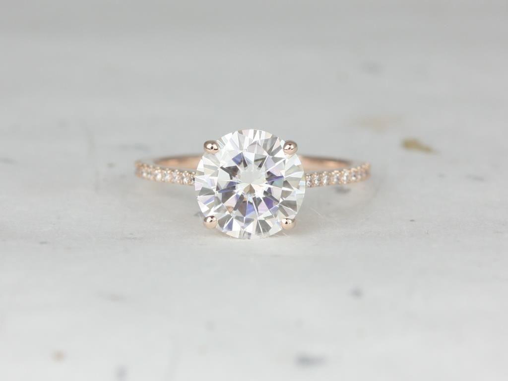 https://www.loveandpromisejewelers.com/media/catalog/product/cache/1b8ff75e92e9e3eb7d814fc024f6d8df/r/o/rosados_box_eloise_9mm_14kt_rose_gold_round_forever_one_moissanite_diamonds_cathedral_engagement_ring_2_.jpg