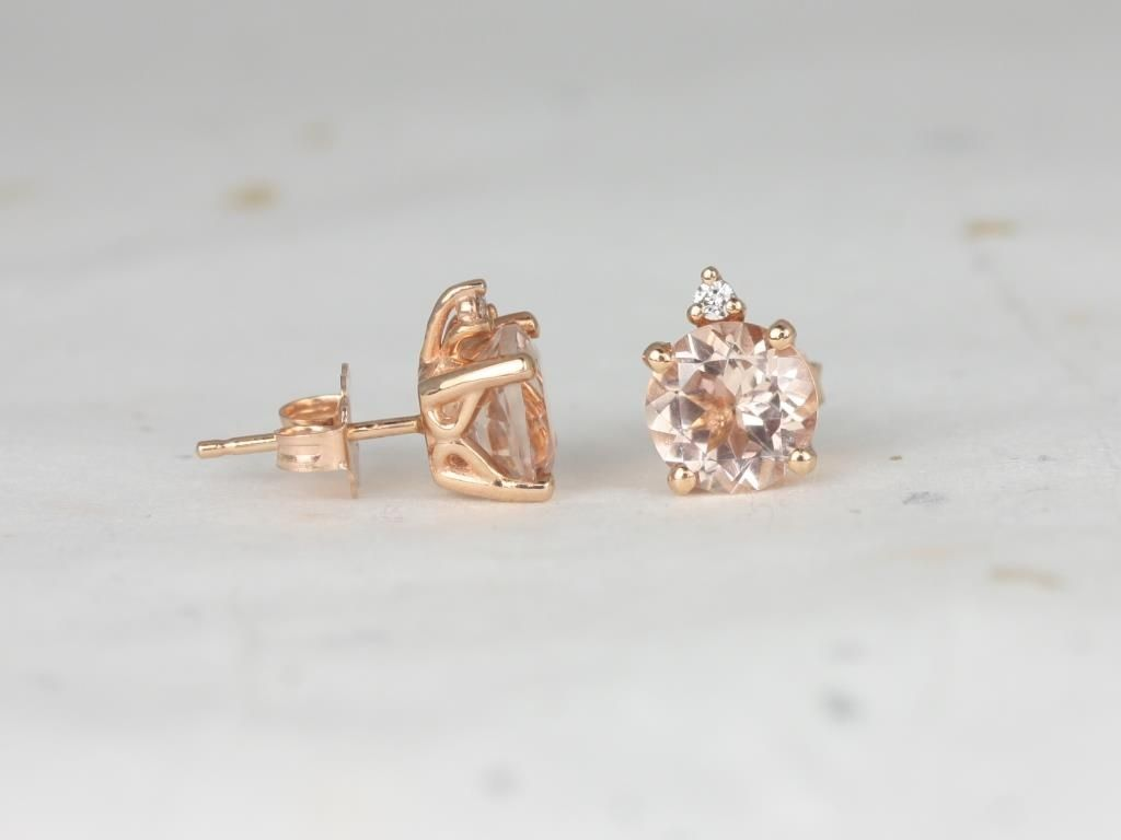 https://www.loveandpromisejewelers.com/media/catalog/product/cache/1b8ff75e92e9e3eb7d814fc024f6d8df/r/o/rosados_box_nicole_7mm_14kt_rose_gold_round_morganite_and_diamond_stud_earrings_1_.jpg