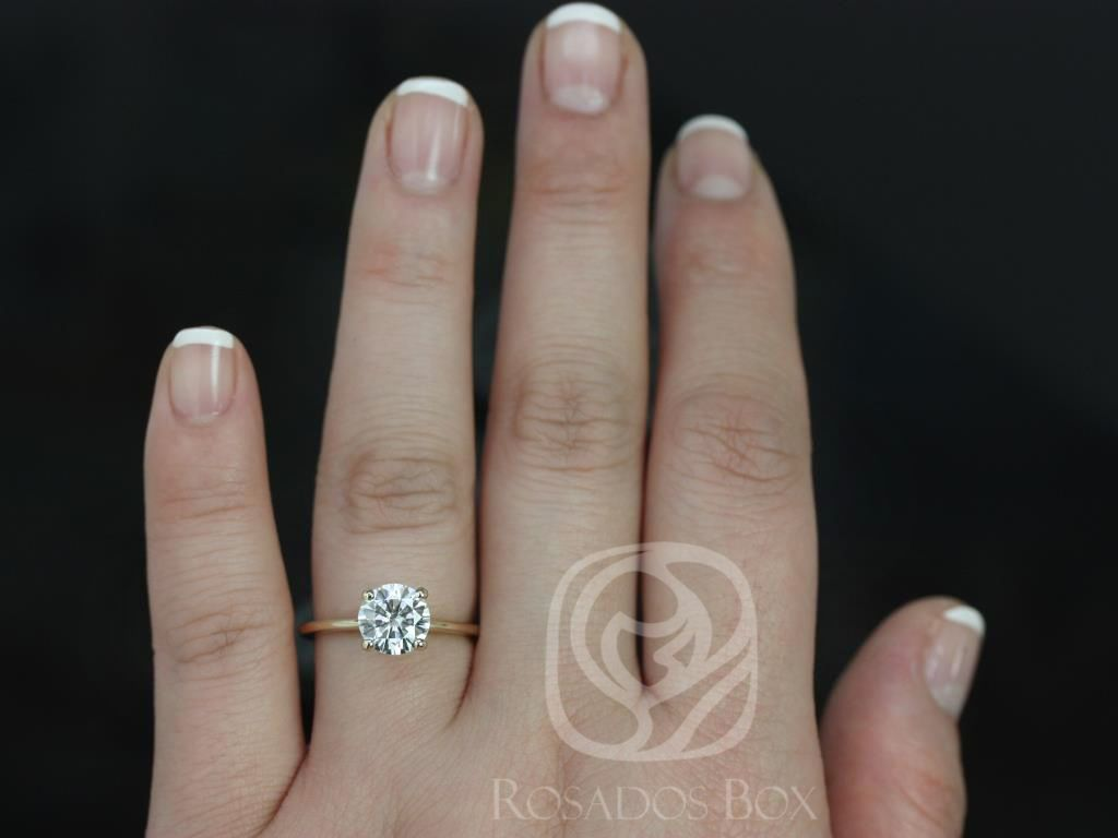 https://www.loveandpromisejewelers.com/media/catalog/product/cache/1b8ff75e92e9e3eb7d814fc024f6d8df/s/k/skinny_alberta_7.5mm_14kt_yellow_gold_round_fb_moissanite_tulip_solitaire_engagement_ring_5_.jpg